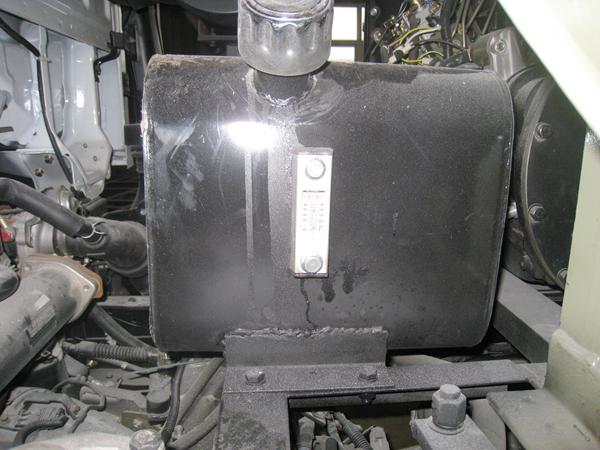 吸尘车液压油箱